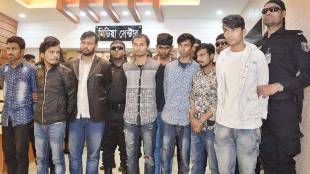 ঢাকায়  অস্ত্রধারী কিশোরদের গ্যাং কালচার