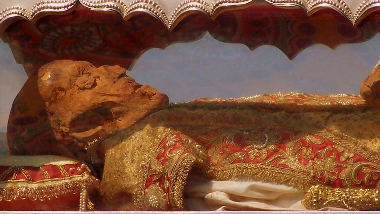 সেইন্ট জেভিয়ার সাহেবের ডেড বডি এবং অন্যান্য রহস্য