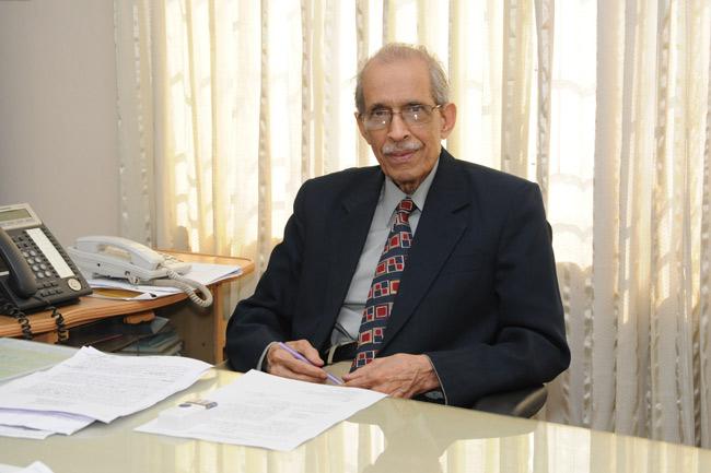 মানুষের জন্য কাজ করতে চাই :জাতীয় অধ্যাপক ডা. আবদুল মালিক