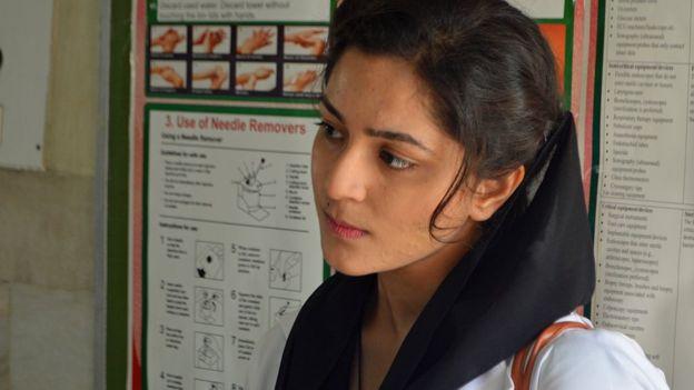 পাকিস্তানে মুজাহিদের দেখা মাত্র গুলিতে এমবিবিএস ছাত্রী নিহত